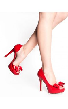 Lumina Bow Pump in Red Patent