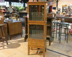 vitrine décor tartan    52x52xht149cm        Z&P, une boutique conviviale: 600m² d'exposition, dépôt-vente, brocante, atelier.