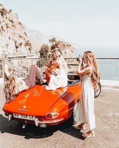 In italy travel destinations wanderlust fotografia amigas, f Best Friend Goals, Best Friends, Friends Girls, Girlfriends, Moda Rock, Beauté Blonde, Shotting Photo, Barefoot Blonde, Roadtrip
