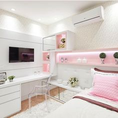 121 fantastic small apartment bedroom college design ideas and decor – page 29 Cute Bedroom Ideas, Cute Room Decor, Girl Bedroom Designs, Room Ideas Bedroom, Girls Bedroom, Bedroom Decor, Bedrooms, Bedroom Bed, Tiny Bedroom Design