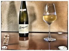 Score 86/100 Wine review, tasting notes, information about 2015 Ccompania Vivinola del Norte de Espana Monopolo Blanco white wine made 100% Viura grape.
