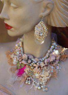 Perlas y encajes pendientes pendientes bordados audaz