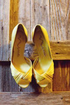 10 modèles de chaussures jaunes