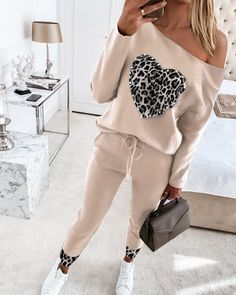 Chic Type, Leg Of Mutton Sleeve, Trend Fashion, Plain Tops, Pants For Women, Clothes For Women, Beaded Top, Drawstring Waist, Short