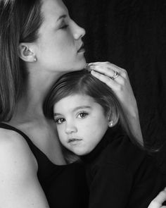 Family Photography  Mother Daughter Photo  The Raines women  www.paulwharton.com