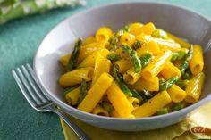 La carbonara di asparagi è un primo piatto vegetariano davvero gustoso! Gli asparagi sono una buonissima alternativa ai classici cubetti di guanciale. Pasta, Cantaloupe, Fruit, Vegetables, Recipes, Gnocchi, Food, Vegetarian, Legumes