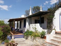 Fantastic rural Quinta close to Loule. Situated high in the hills it has fantastic views over the local countryside to the see. Find out more here: http://www.sevenquintas.com/details.asp?ID=164