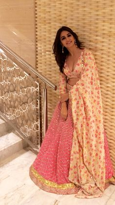 Find a variety of latest blouse designs 2020 photos for bride & women at Shaadidukaan. Here you will get a large collection of designer bridal blouses designs you have never seen before. Indian Attire, Indian Wear, Indian Dresses, Indian Outfits, Indian Lehenga, Pink Lehenga, Lehenga Choli, Indian Look, Desi Clothes
