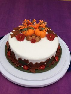 My Wilton Course 2 cake. Fall theme.