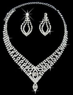 Elegant Marvelous Ladies Necklace and Earrings Jewelry Set (45 cm). Get awesome discounts up to 70% Off at Light in the Box using Coupons.