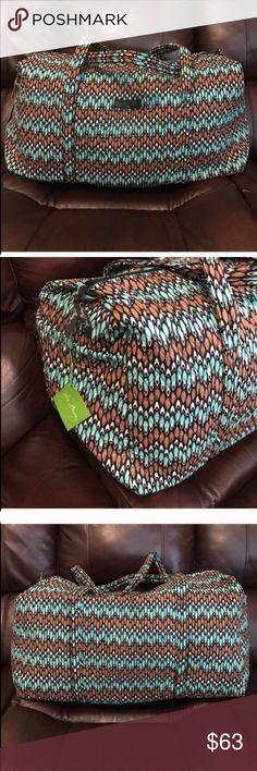 NWT Vera Bradley large duffel in sierra streams NWT Vera Bradley large duffel in sierra streams Vera Bradley Bags Travel Bags