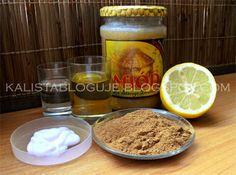 #Rozjaśnienie włosów: ~4 łyżki cynamonu ~oliwa z oliwek ~miód ~pół cytryny ~woda  ~odżywka  Wymieszać. Nałożyć na noc. <3