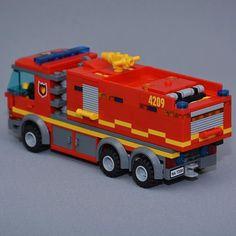 The new tanker truck #lego #legocity #legofiretruck #firetruck #fire #truck #brandbil #tankbil #räddningstjänsten #legosverige #swebrick #afol #legoveichle #legotown #legocreator #brickbybrick