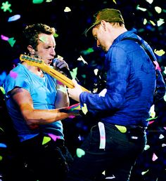 Coldplay Chris Martin and Jonny Buckland of Coldplay perform during their North American tour opener at the Rexall Place in Edmonton, Canada on April Love Band, Cool Bands, Cabaret, Music Is Life, My Music, Coldplay Live, Chris Martin Coldplay, Jonny Buckland, American Tours