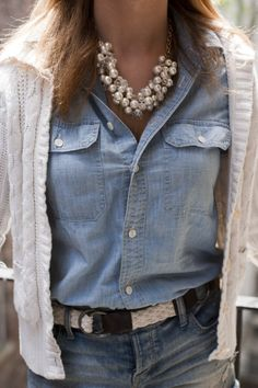 Love the mix of denims and the pearl necklace together!