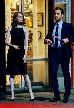 Emma Stone and Ryan Gosling on set of 'La la land' (September 18, 2015)