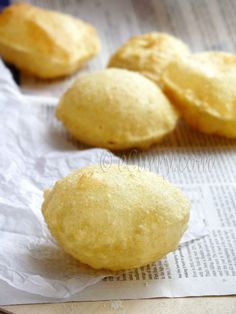 Pooro - Deep Fried Puffed Bread