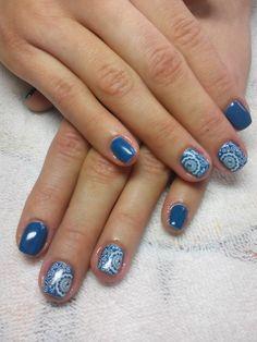 Stamping Nail Art: Lesly Plates