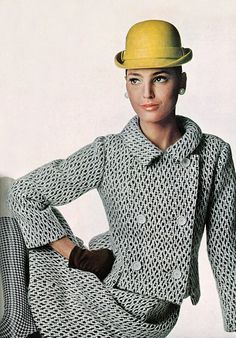 Benedetta Barzini. Photo by Irving Penn.  Vogue 1966.