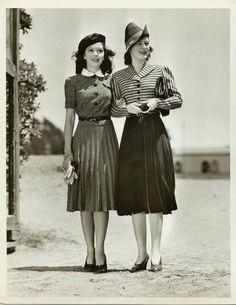 vintage 1940s fashion | vintage 40s beret, peter pan collar, stripe shirt