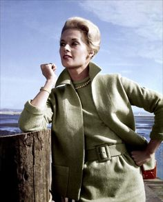 Tippi Hedren in The Birds   Kibbe Dramatic I was so scared after watching this movie when I was young!