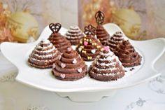 Reteta Braduti din biscuiti Mini Cupcakes, Biscuit, Waffles, Gem, Bacon, Goodies, Breakfast, Desserts, Sweet Like Candy