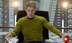 Chris Pine as James T Kirk in Star Trek Into Darkness Star Trek 2009, Star Trek 4, Star Trek Ships, New Star Trek Movie, Star Trek Movies, Star Trek Online, Star Trek Beyond, William Shatner, Star Trek Enterprise