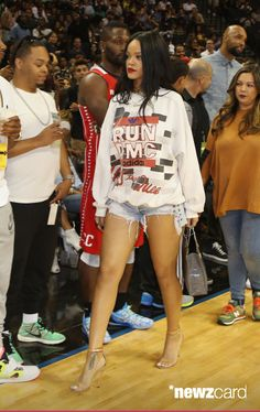 Rihanna attends the 2014 Summer Classic Charity Basketball Game at Barclays Center on August 21, 2014 in New York City. (Photo by Jerritt Clark/Getty Images)