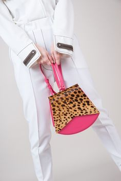 Leather Bag, Candy, Handbags, Photo And Video, Inspiration, Outfits, Instagram, Women, Fashion