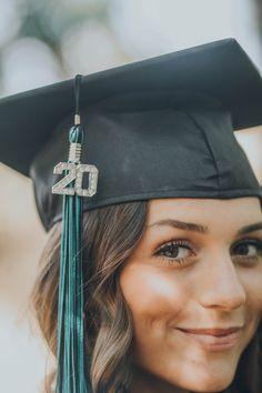 Nursing Graduation Pictures, College Senior Pictures, College Graduation Pictures, Graduation Picture Poses, Graduation Portraits, Girl Senior Pictures, Grad Pics, Senior Pics, Graduation Photoshoot