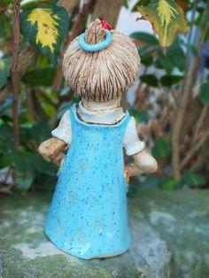 http://de.dawanda.com/product/61108463-FunnyZenzi-Zaunhocker-Gartenkeramik-Skulptur