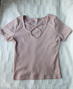fd8b1ef546882 Koszulka z wiązaniem w kolorze pudrowego różu