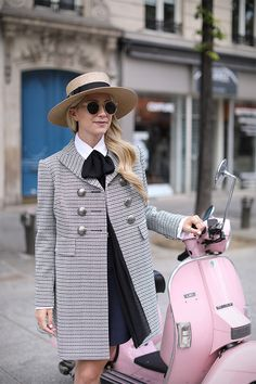 Atlantic Pacific in Paris | Bows and blue | Fashion blogger