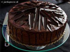 Hneď na úvod priznávam, že je to hriešne dobrá torta, neuveriteľne dobrá…