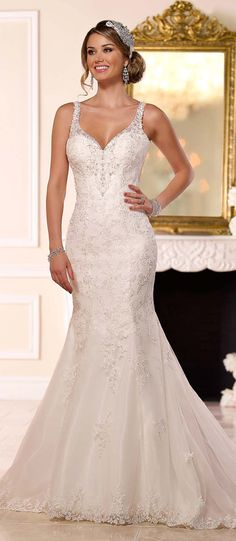 Alluring Tulle Spaghetti Straps Neckline Mermaid Wedding Dresses with Sequin Lace Appliques
