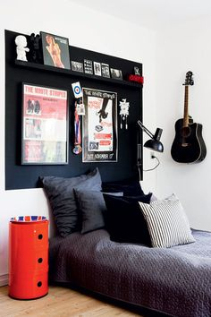 Check out this trendy preteen boys bedroom - what a creative conception Preteen Boys Bedroom, Boys Bedroom Decor, Boy Bedrooms, Bedroom Ideas, Bedroom Designs, Teenage Bedrooms, Small Bedrooms, Guest Bedrooms, Teenage Room