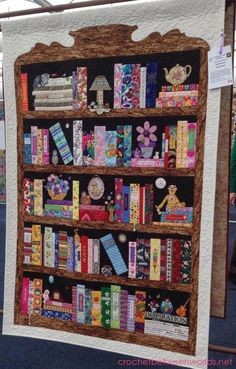 Crochet between worlds: Captain Poprocks visits the Sydney Craft and Quilt Fair 2015 Quilting Projects, Quilting Designs, Sewing Projects, Vintage Bookcase, Book Quilt, Cat Quilt, Scrappy Quilts, Applique Quilts, Fabric Art