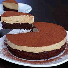 Pastel de chocolate con crema de café