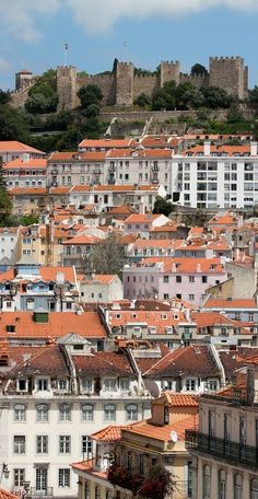 O that we could see through your ancient eyes, Castelo de São Jorge. that we could feel the tremors of life you have felt. Make our souls as strong as your battlements. as eternal as your ramparts in our Lisboa. Places In Portugal, Visit Portugal, Spain And Portugal, Portugal Travel, Spain Travel, Algarve, Beautiful Places To Visit, Oh The Places You'll Go, 14th Century
