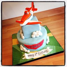 Disney Planes cake.