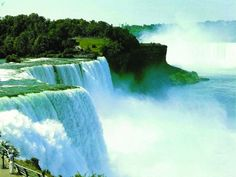 Niagara Falls is the perfect destination for anyone who loves waterfalls, scenic beauty and, enjoys appreciating the wonders of Mother Nature. Oh The Places You'll Go, Places To Travel, Places To Visit, Tourist Places, Niagara Falls Hotels, Danxia Landform, Waterfall Wallpaper, Image Nature, Photo Grid