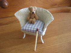 Wicker Chair  (in finnish) with detailed step-by-step pix
