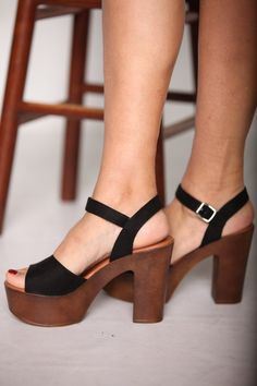Women shoes Comfortable Casual - Women shoes High Heels Strappy - Women shoes High Heels 2019 - Women shoes Comfortable Ugg Boots - Women shoes Sandals Boho Style - Women shoes For Summer Jimmy Choo Low Heel Shoes, Pumps Heels, Stiletto Heels, Women's Shoes, Platform Shoes, Flat Shoes, Oxford Shoes, Shoes Sneakers, Prom Heels