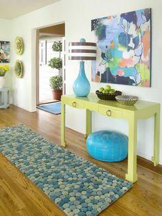 Idee e consigli per arredare l'ingresso di casa durante la stagione primaverile e estiva