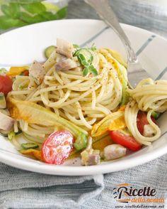 """305 Likes, 2 Comments - Ricette della Nonna (@ricettedellanonna) on Instagram: """"Pasta estiva con pesce spada, fiori di zucca e bottarga #pasta #fioridizucca #primipiatti…"""""""
