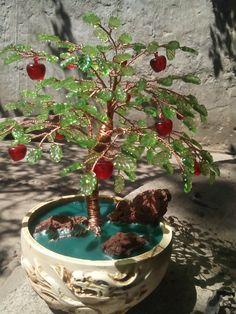 bonsai artificial de cuentas en forma de hojas y frutas, disfrutenlo pues ya no se encuentran en el mercado y que creen yo tengo las unicas.