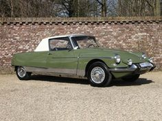 """1965 Citroen DS21 (chassis 4460002) is said to be one of only two bespoke Chapron-designed and built """"Le Dandy"""" coupes."""