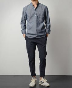 Browse the latest styles in men's casual shirts from Frank And Oak. Featuring plaid shirts, casual-button down shirts, and formal dress shirts. Men Street, Street Wear, Outfit Online, Style Masculin, Look Man, Neue Outfits, Casual Outfits, Fashion Outfits, Casual Guy