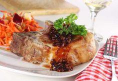 Côtelettes de porc aux oignons caramélisés