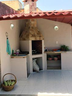 El asador de mi papá, el original, no lo roben, denme el crédito. Outdoor Kitchen Cabinets, Diy Outdoor Kitchen, Backyard Patio, Backyard Landscaping, Outdoor Barbeque, Brick Bbq, Ceiling Design, Diy Home Decor, Sweet Home